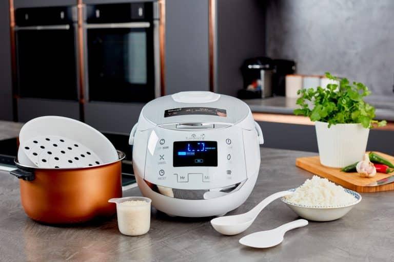 White Sakura rice cooker by Yum Asia